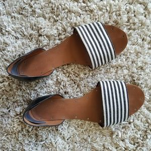 Madewell Thea Flat Sandal in Stripe, Black Leather